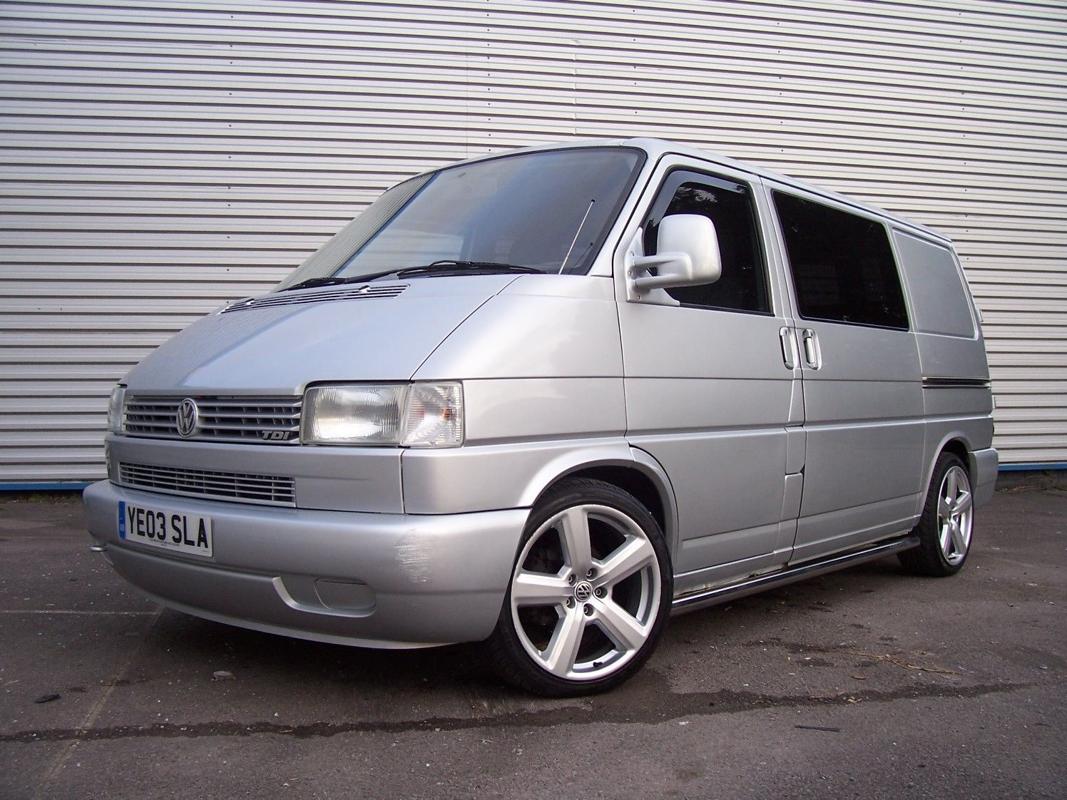 vw t4 transporter clear grey top band windscreen very. Black Bedroom Furniture Sets. Home Design Ideas